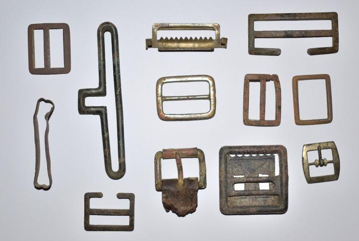 Various buckles